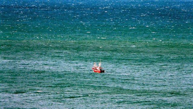 barco pesquero bizkaia uribe kosta