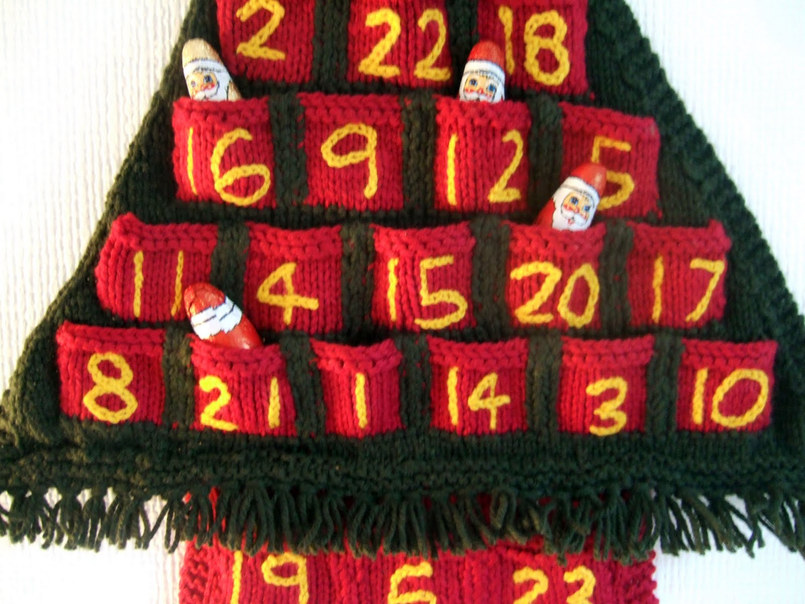 Knitting Pattern Christmas Advent Calendar : Alexia Claire: Christmas Tree Advent Calendar