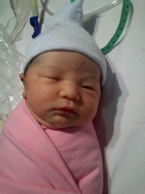 Indra Bekti Dikaruniai Bayi Perempuan [ www.BlogApaAja.com ]
