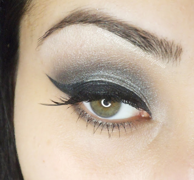 silver smokey look with winged liner