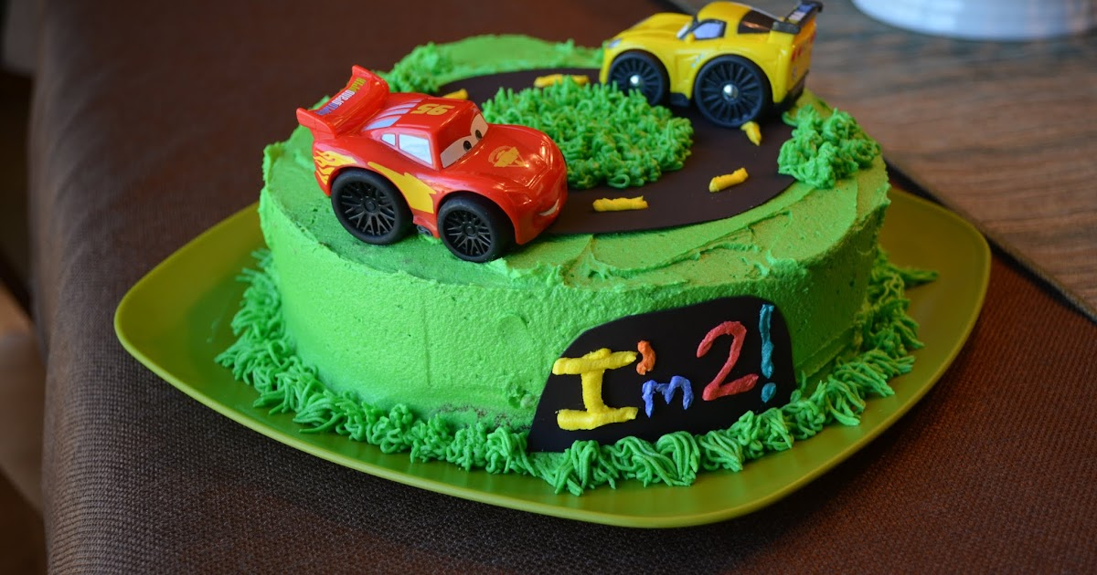Birthday Cake Images With Car : Laura s Home Kitchen: Cars Cake: 2nd Birthday Cake
