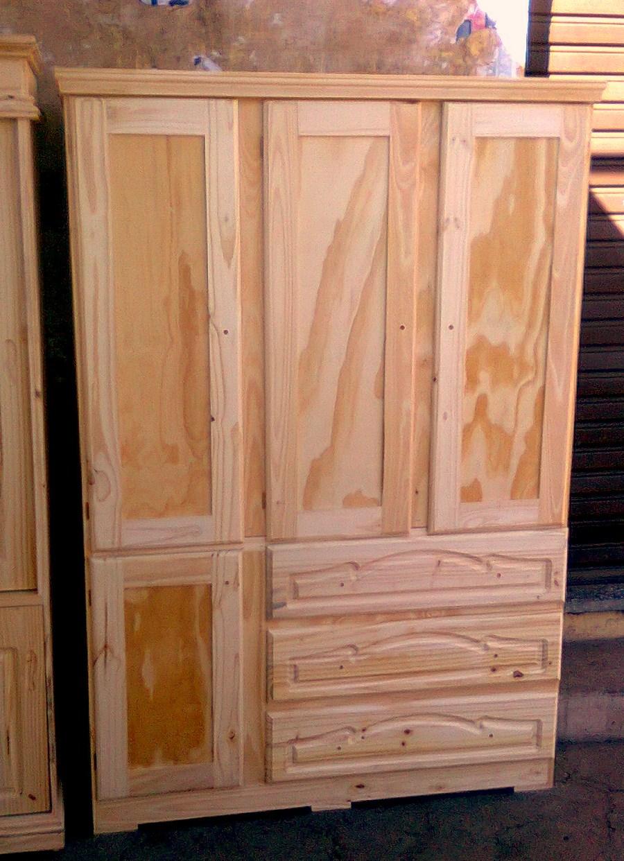 Pichon muebles roperos de madera for Roperos de madera para dormitorios