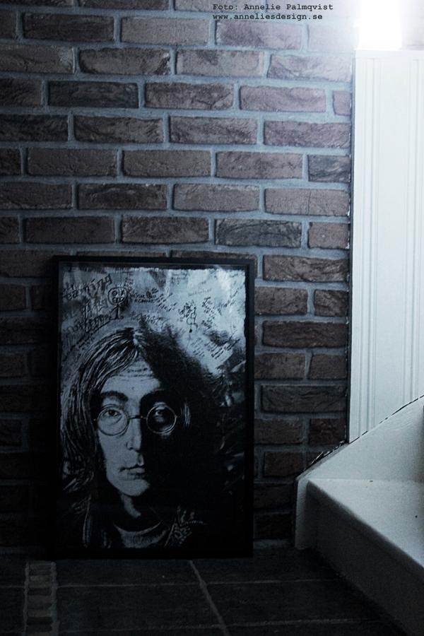 tegel, tegelvägg, vägg, källare, källaren, källarvägg, källarväggen, trappa, trappor, måla klinkers,