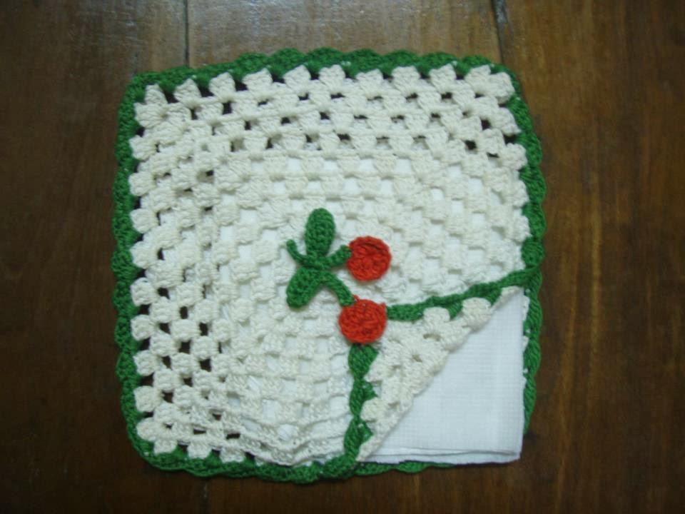 Christmas Crochet Paper Napkin Holder ~ Free Crochet Patterns