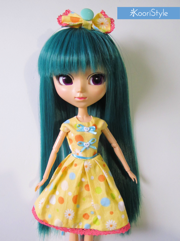 Koori KooriStyle Kawaii Cute BJD Pullip Blythe Doll PullipDoll BlytheDoll Outfit Yellow Dress Set Etsy Handmade Sell Buy Ribbon Hair Accessory Loose Socks Dolls