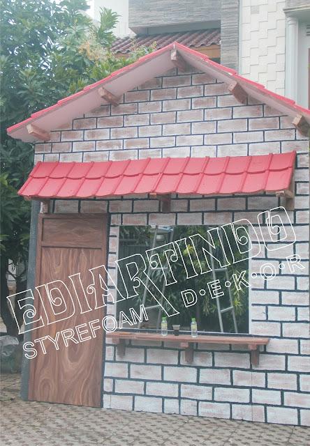 Pembuatan Properti Rumah Replika Warung