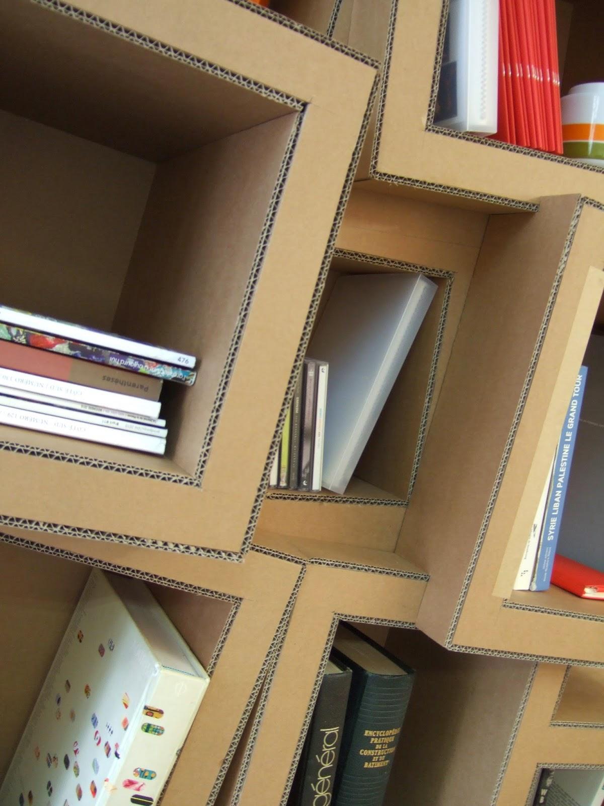 Meuble en carton, étagère et bibliothèque Vous choisissez la taille, la forme, le nombre de cases & le type de finitions  Un design original et fonctionnel pour ranger livres & objets de toute la maisonnée Du sur-mesure fabriqué à Marseille / Spritz° la fabrique pétillante