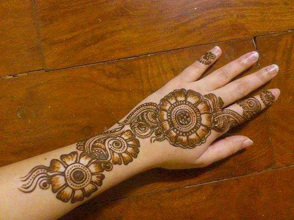 Simple Eid Mehndi Designs 2013 : Designs of mehndi for eid on foot simple dresses hands