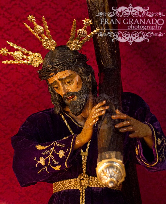 http://franciscogranadopatero35.blogspot.com/2014/03/dios-se-hizo-nazareno-en-arahal-cultos.html