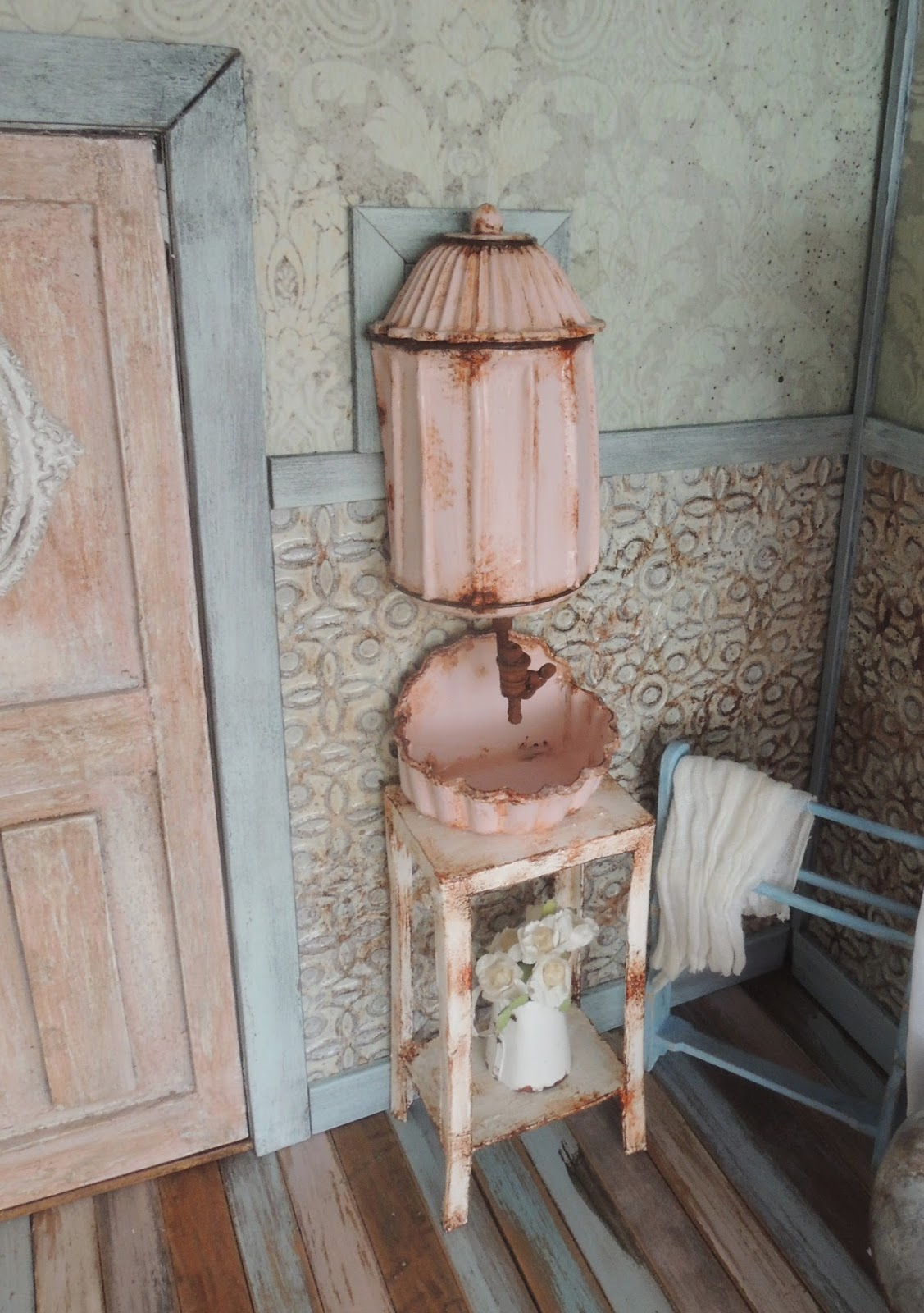 Liberty Biberty A Vintage Lavabo For The Farmhouse Bathroom