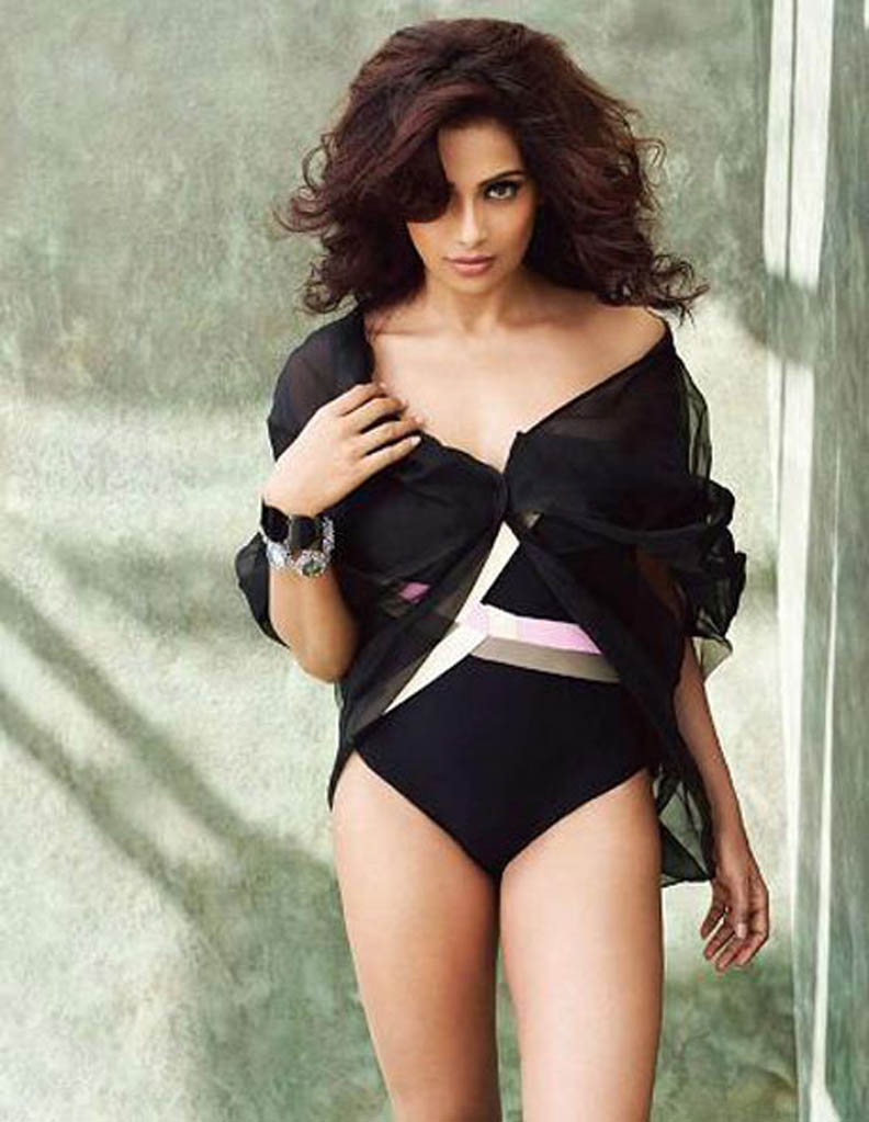 gangstin: bipasha basu hot photoshoot for man's world magazine