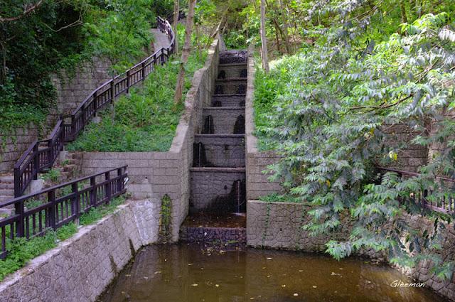 雞南山潛壩下方的沈砂池。