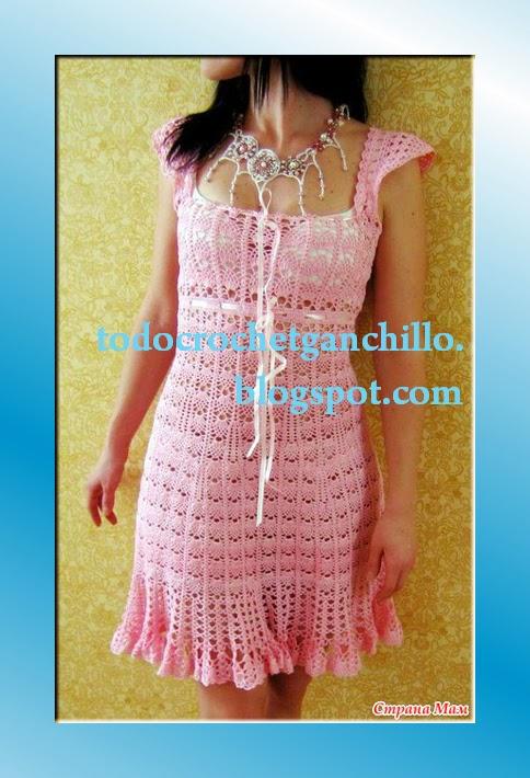 Bellísimo vestido rosa tejido con ganchillo - con esquemas