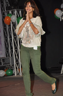 Lakshmi Manchu Prasanna Pictures at Minugurulu Telugu Movie Audio Launch  0001
