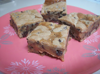 PB, Caramel and Choc Chip Bars from Cook with Sara