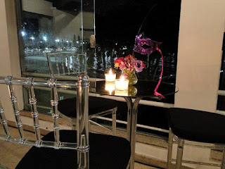 arranjo floral baile máscara, banqueta paris transparente