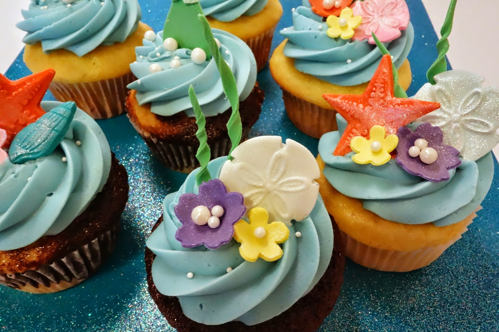 Cupcake Decorating Ideas Under The Sea : Little Mermaid Under The Sea Cupcakes Candy Coated