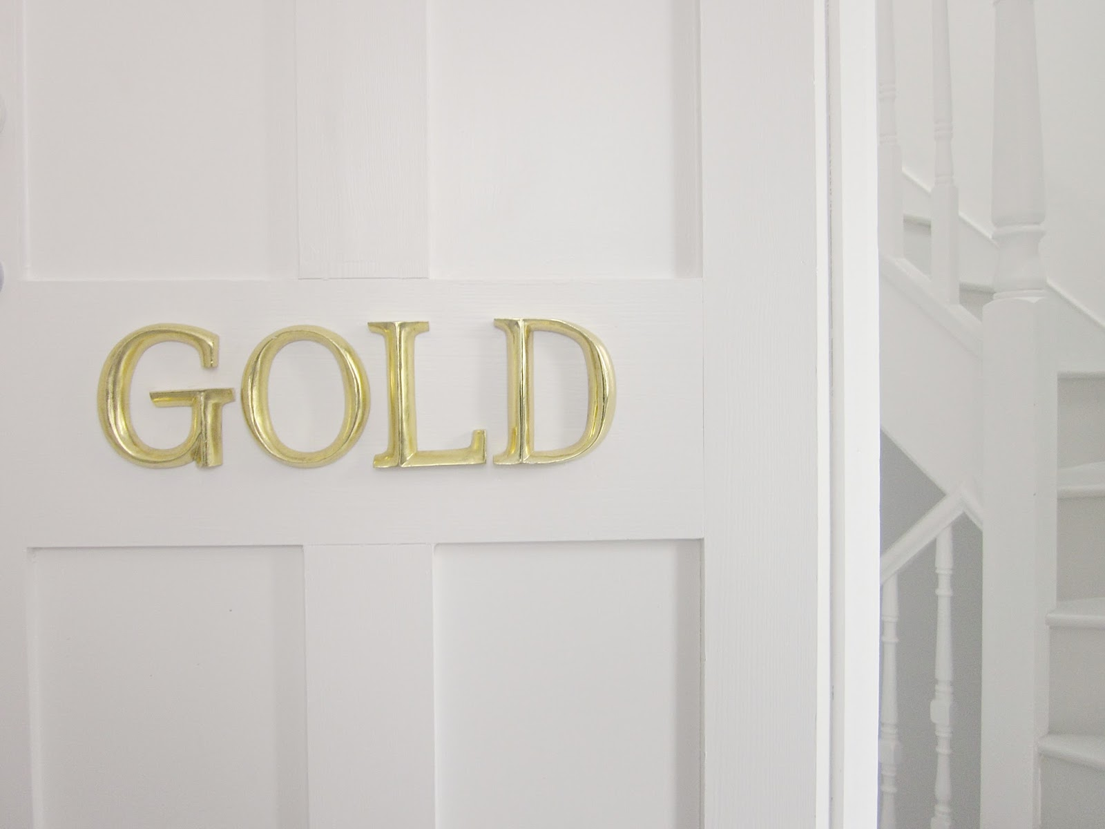 door sign gold