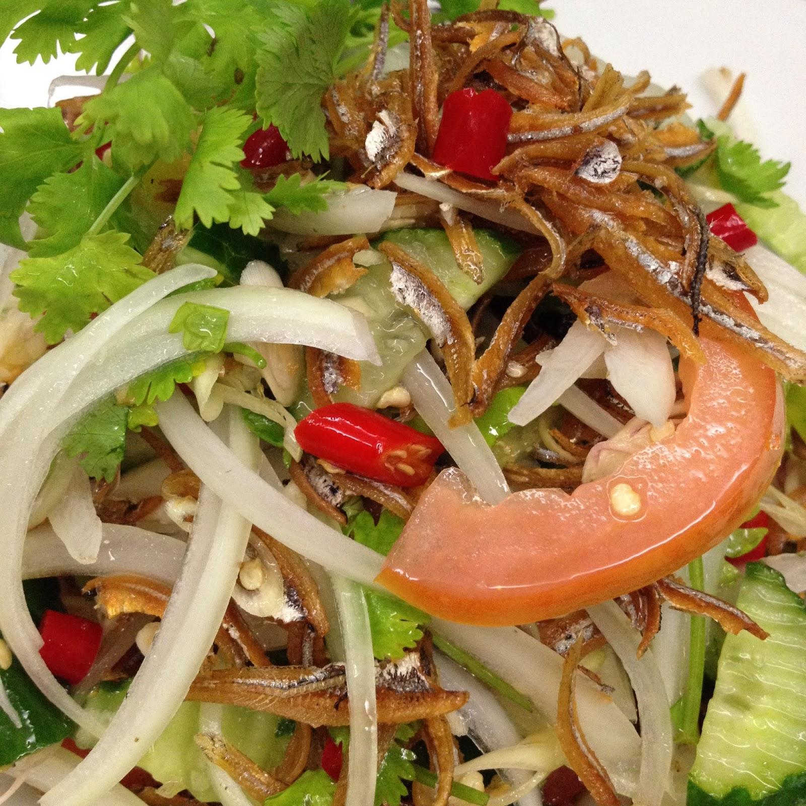 Masak ringkas-ringkas je...: Kerabu Ikan Bilis Gaya Thai
