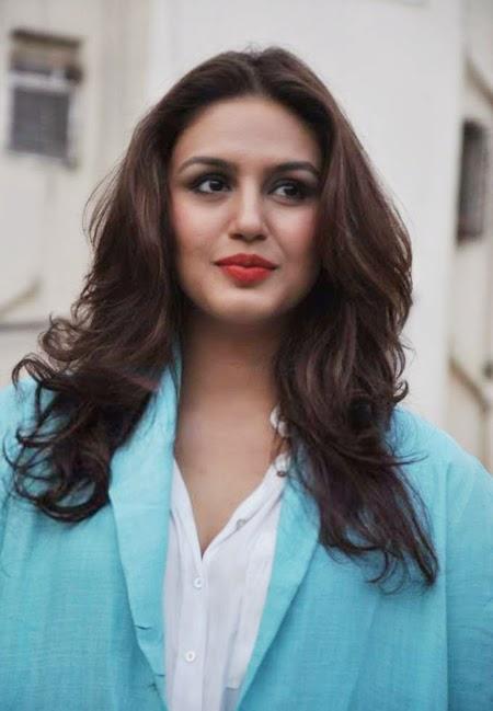 Bollyood actress huma qureshi free photo
