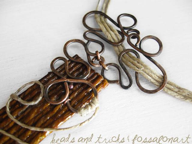 Collana in corda, rame e frammenti di conchiglie