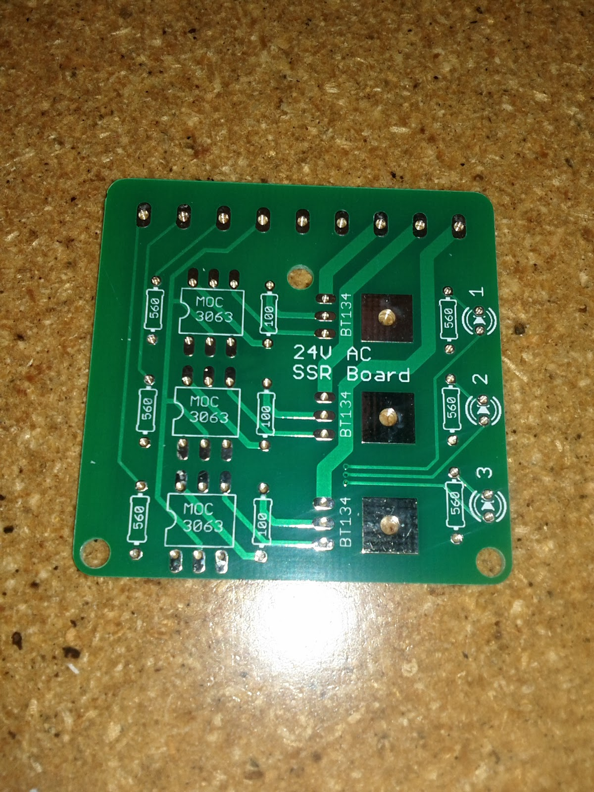 Makeatronics 24v Ac Solid State Relay Board Digital Circuit Wiring Diagram Thermostat Raspberry Pis To Thermostats Or Arduino Any Other Microcontroller For That Matter So I Decided Design A Fill Space