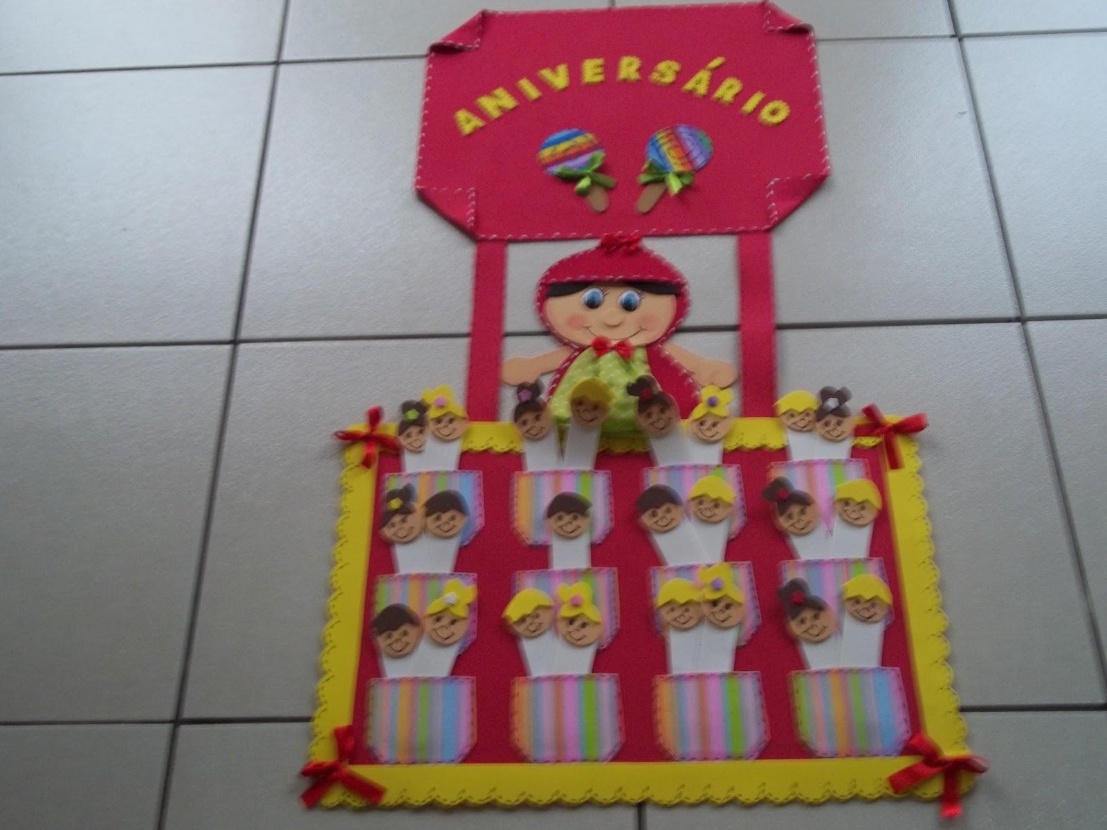 Cartaz De Ajudantes Plaquinha De Porta