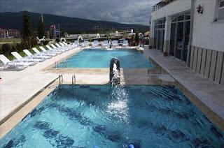 nehir-termal-otel-spa-kutahya-yoncalı-açık-havuz