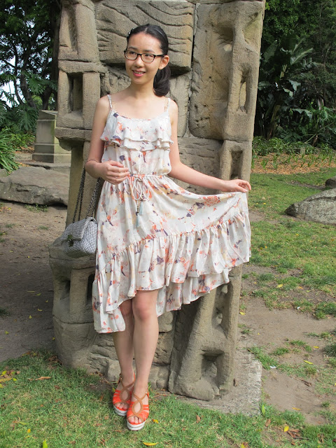 {Feel the breeze} high-low dress with wedges on petiteplayground.blogspot.com