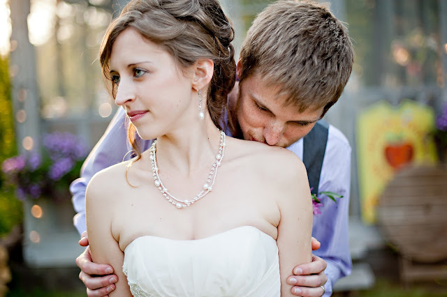 andrea+jord+4 Jordan & Andrea { Minnetonka Orchard Wedding }