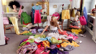 Organizar o armário por tipo de peça e cor