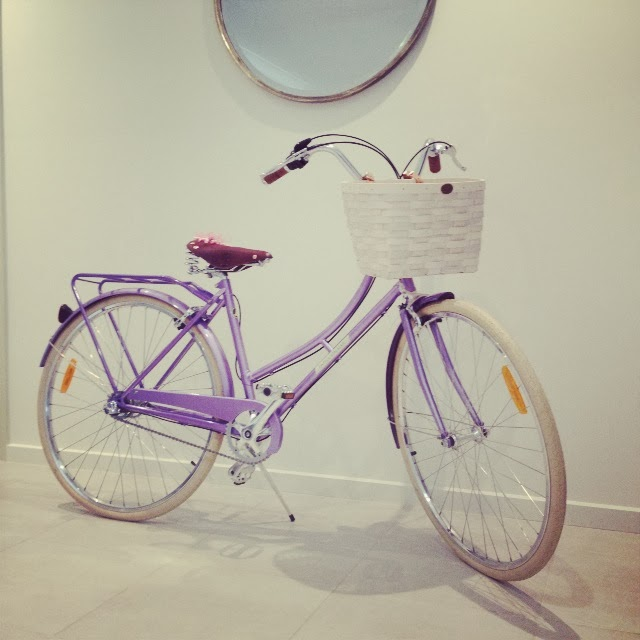 retro, vintage, ladies, bicycle, bike, elegant, beautiful, white basket, lavender, leather seat