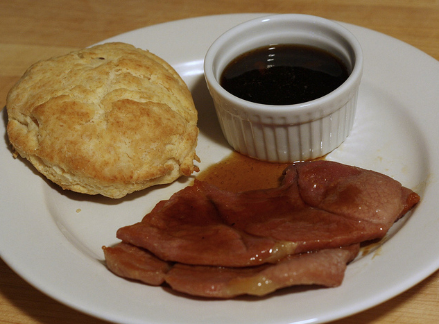 SALTY AND DELICIOUS: COUNTRY HAM WITH RED EYE GRAVY