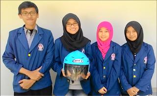 4 Mahasiswa Undip Buat Inovasi Helm Anti Polusi ( HELTIC 3 In 1 ) Bagi Pengendara Motor