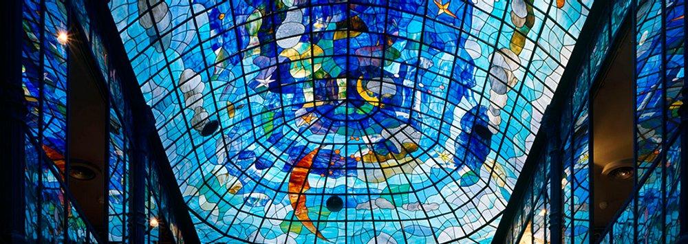 .: El Museo Art Nouveau y Art Déco es en esencia un museo de artes decorativa...