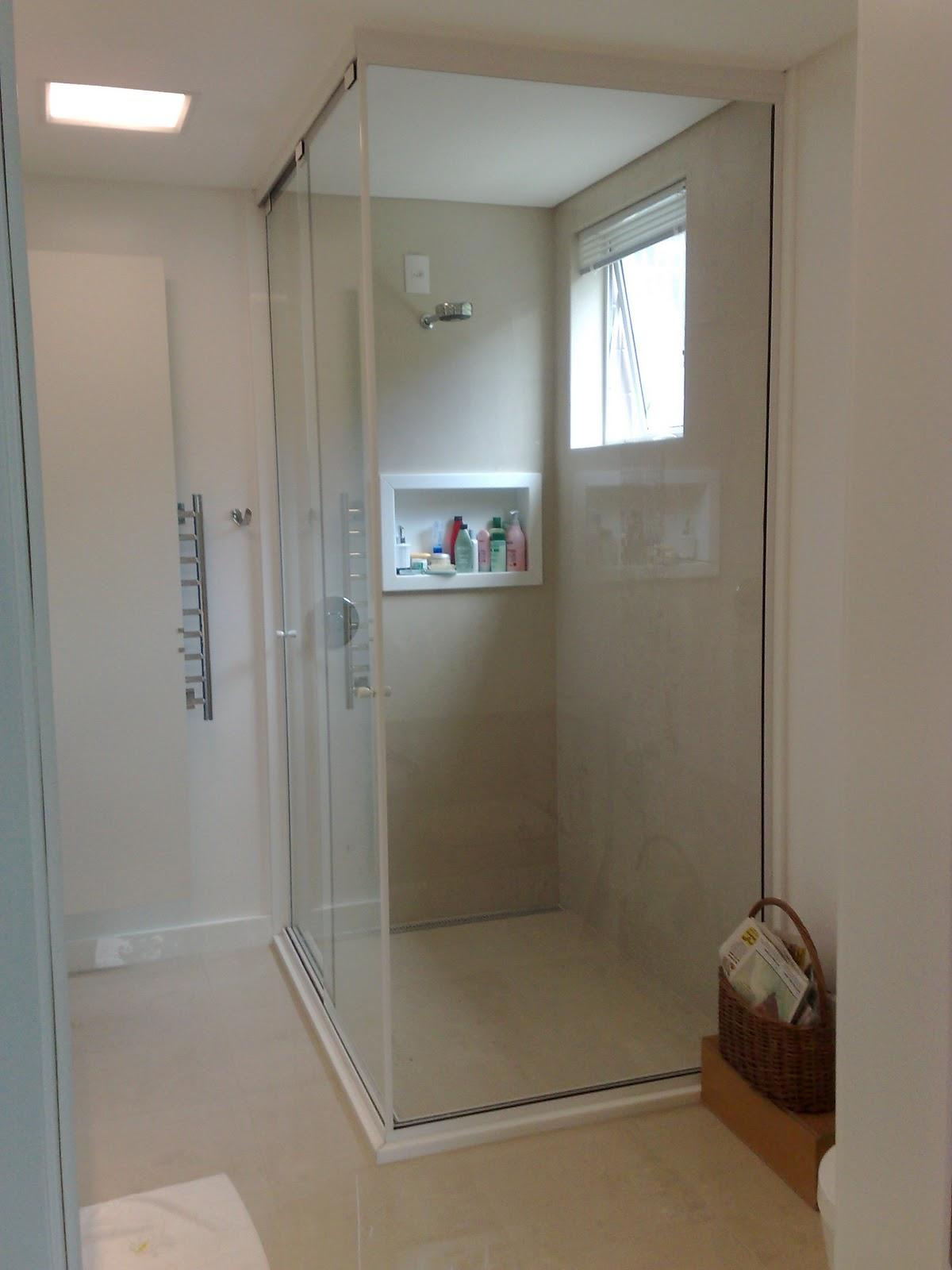 Imagens de #413224 Dicas de todos os tipos ;): Banheiro: box de vidro até o teto 1200x1600 px 2364 Box De Vidro Azul Para Banheiro