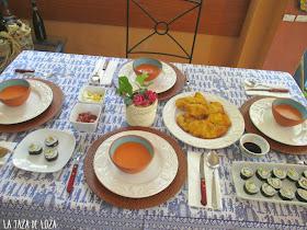 Mesa con sushi