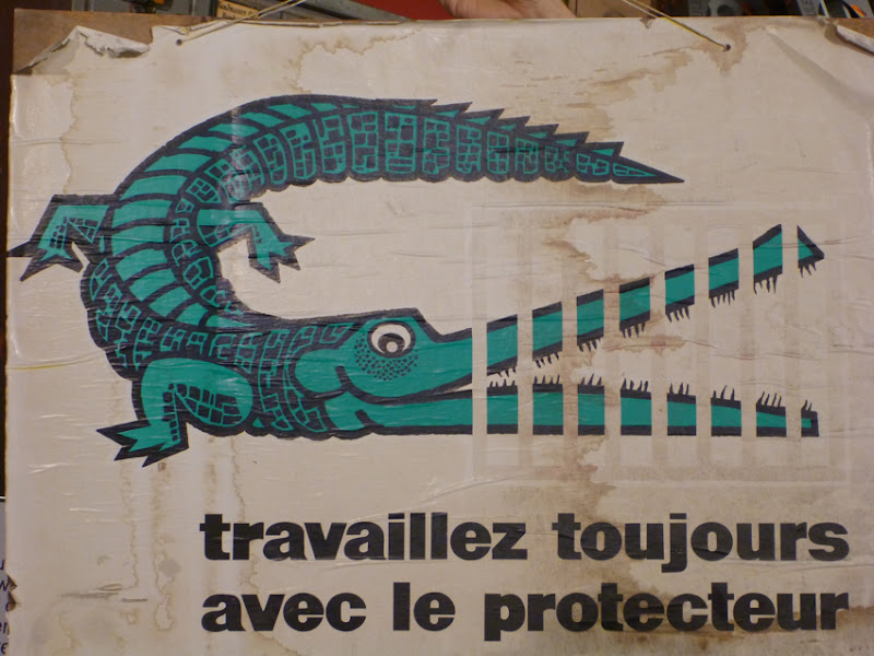 gezeichnetes Krokodil mit zerhäckselter Schnauze