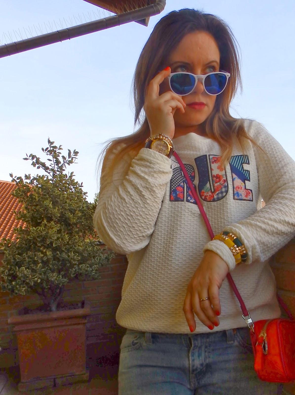 fashion blog, fashion blogger, purses in the kitchen, outfit post, felpa con scritta, stradivarius, zara, Excape, occhiali da sole camo, mini bag, orologio Millelire, Millelire, Forever 21, Levis, boyfriend jeans,