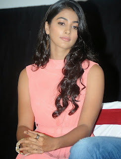 Actress Pooja Hegde Pictures in Short Dress at Oka Laila Kosam Prerelease Press Meet  10.jpg