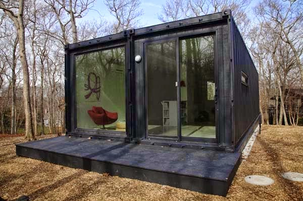 A Shipping Container Costs About $2,000. What These 15 People Did With That Is Beyond Epic - You don't rob this house. Ever.