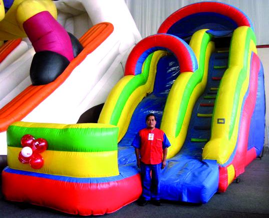 Alquiler de juegos inflables para cumplea os y fiestas en for Gimnasio 8 en 1 tunel y doble tobogan