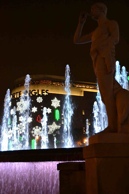 """Shopping Night Barcelona 2015 """