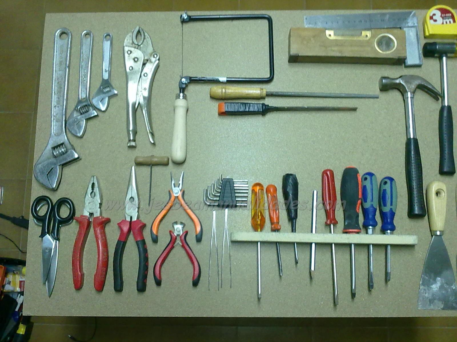 Jesbea manualidades armario para herramientas - Tablero de herramientas ...