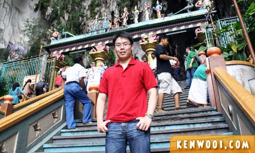 batu caves pose