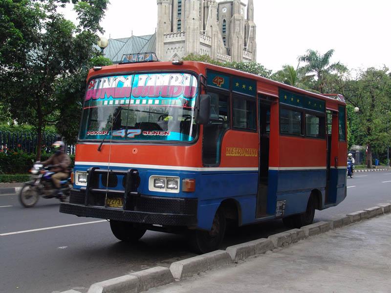 tips menggunakan angkutan umum dengan aman lintas maya