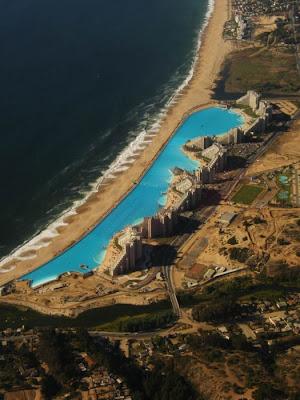 bassein 0011 أكبر و أنقى حمام سباحة في العالم بتكليف خمسة بلاين جنية استرليني  في تشيلي
