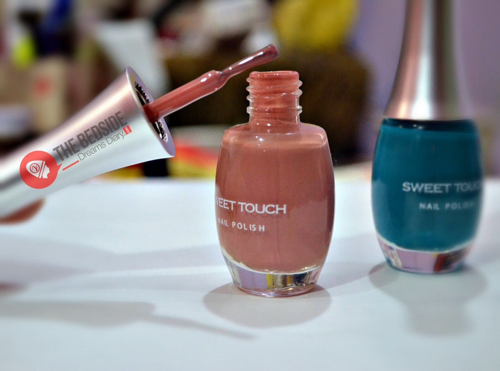 SWEET TOUCH ENGLAND Nail Paints