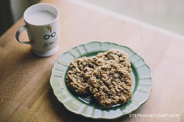 gluten free oatmeal chocolate chip peanut butter cookies
