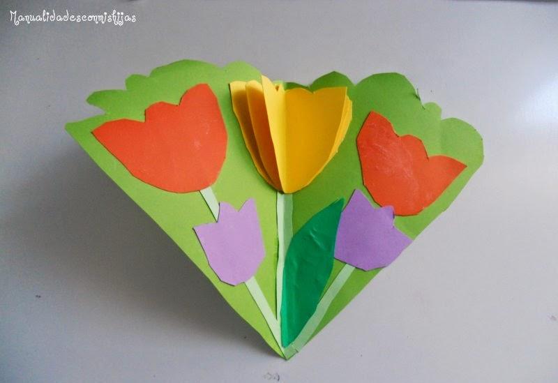 http://manualidadesconmishijas.blogspot.com.es/2012/05/tarjeta-de-flores.html